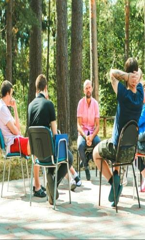 групповая реабилитация алкоголиков и наркозависимых 6 месяцев
